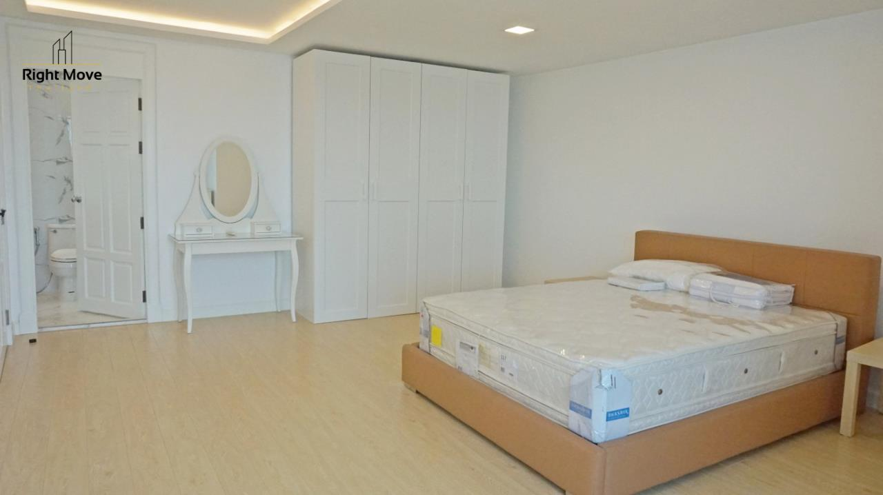 Right Move Thailand Agency's CA5892  Regent On The Park II For Rent 120,000 THB For Sale 33,000,000 THB - 3 Bedrooms - 265 Sqm  19