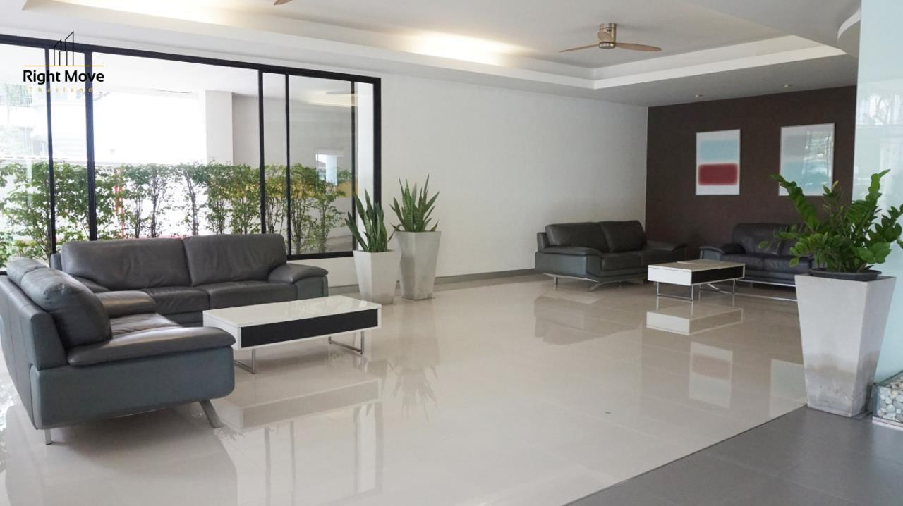 Right Move Thailand Agency's CA5892  Regent On The Park II For Rent 120,000 THB For Sale 33,000,000 THB - 3 Bedrooms - 265 Sqm  4