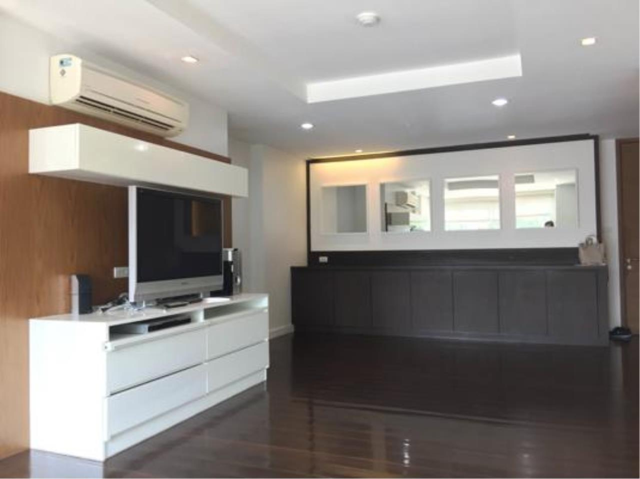 Right Move Thailand Agency's CA637 Avenue 61 For Rent 50,000 THB 2 Bedrooms 107 Sqm 1