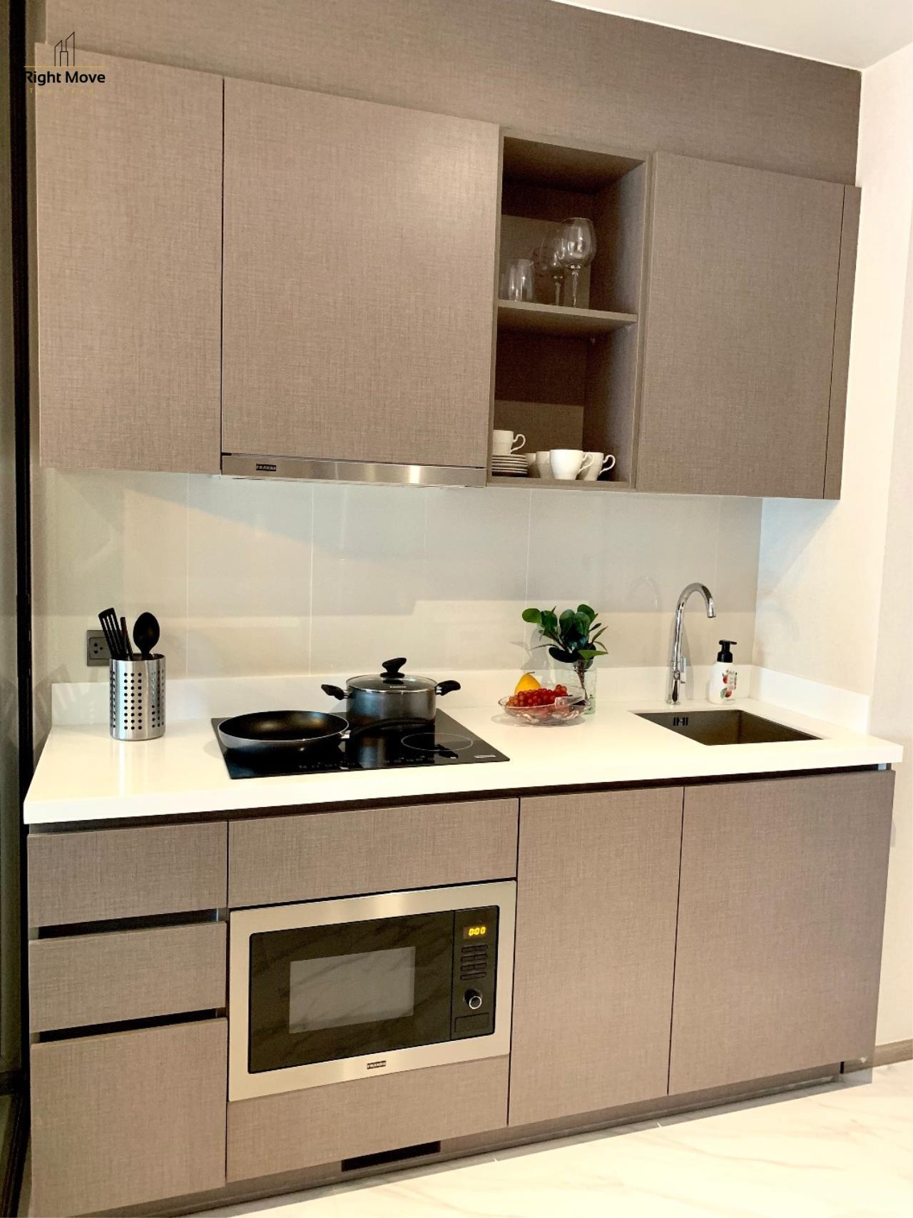 Right Move Thailand Agency's CA6603 Rhythm Ekkamai For Rent 70,000 THB 2 Bedrooms 70 Sqm 18