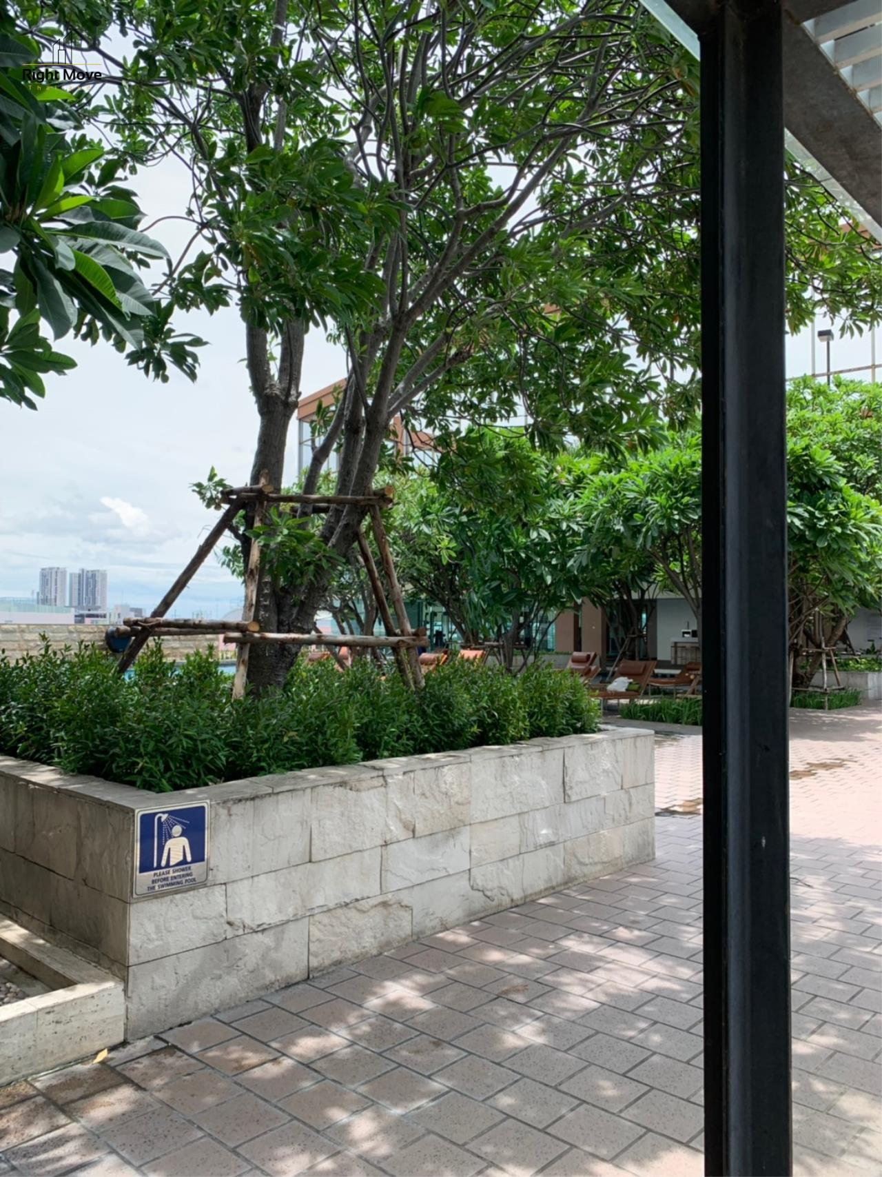 Right Move Thailand Agency's CA6617 Emprice Place For Rent 55,000 THB 2 Bedrooms 100 Sqm  25
