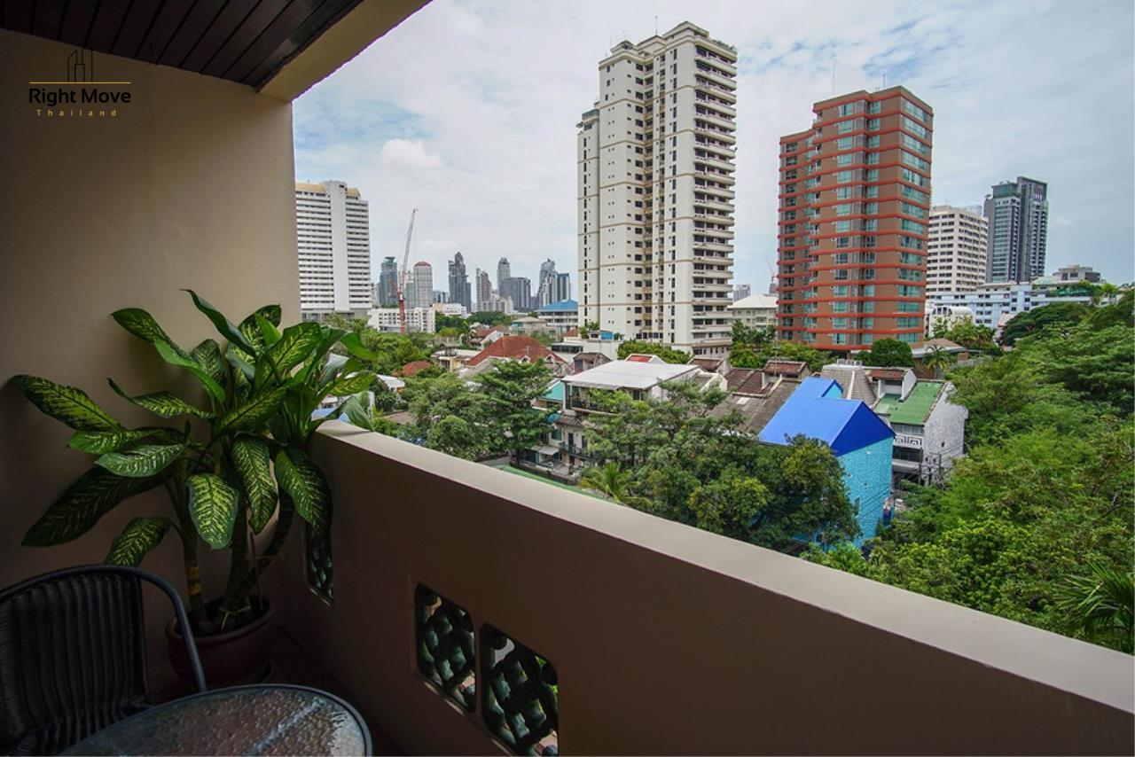 Right Move Thailand Agency's CA6836 Duplex Apartment For Rent 110,000 THB 4+1 Bedrooms 420 Sqm 12