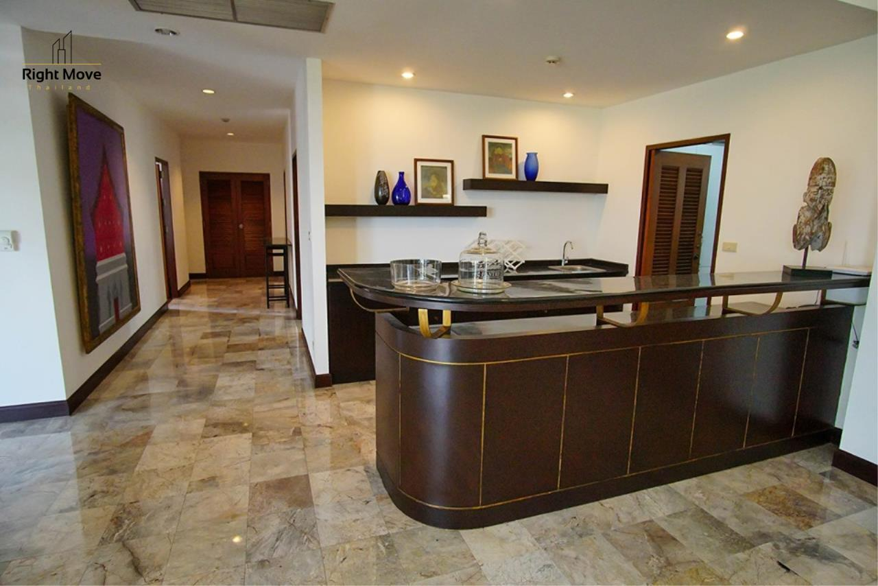 Right Move Thailand Agency's CA6836 Duplex Apartment For Rent 110,000 THB 4+1 Bedrooms 420 Sqm 6