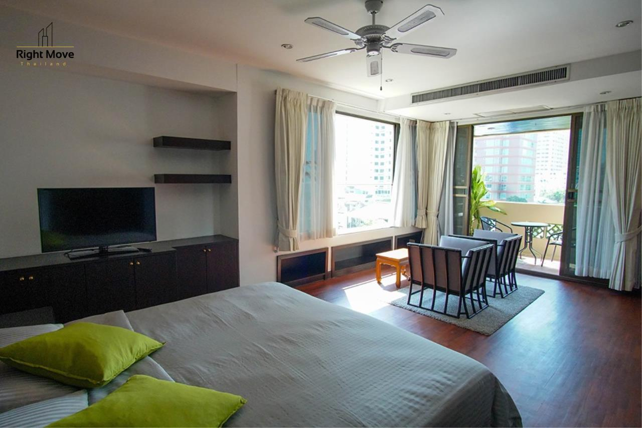 Right Move Thailand Agency's CA6836 Duplex Apartment For Rent 110,000 THB 4+1 Bedrooms 420 Sqm 17