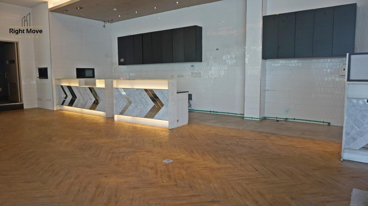 Right Move Thailand Agency's CM398 RETAIL SPACE FOR RENT - 189,974 THB - 154 SQM. 3
