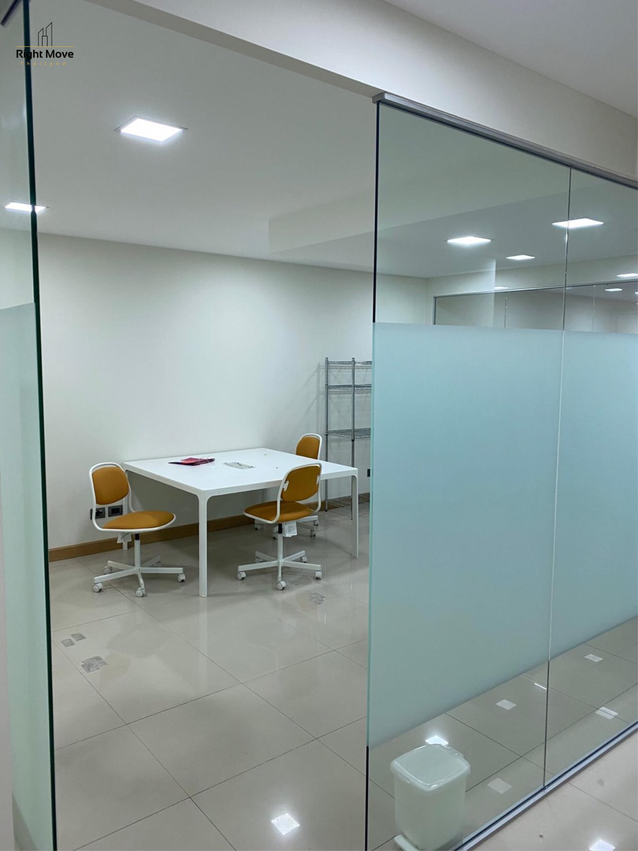Right Move Thailand Agency's CM420 Office for Rent 90,000 THB 180 Sqm 1
