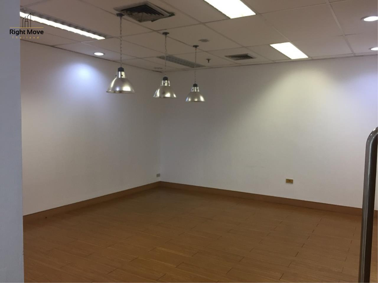 Right Move Thailand Agency's CM438 Office for Rent 70,000 THB 120 Sqm 5