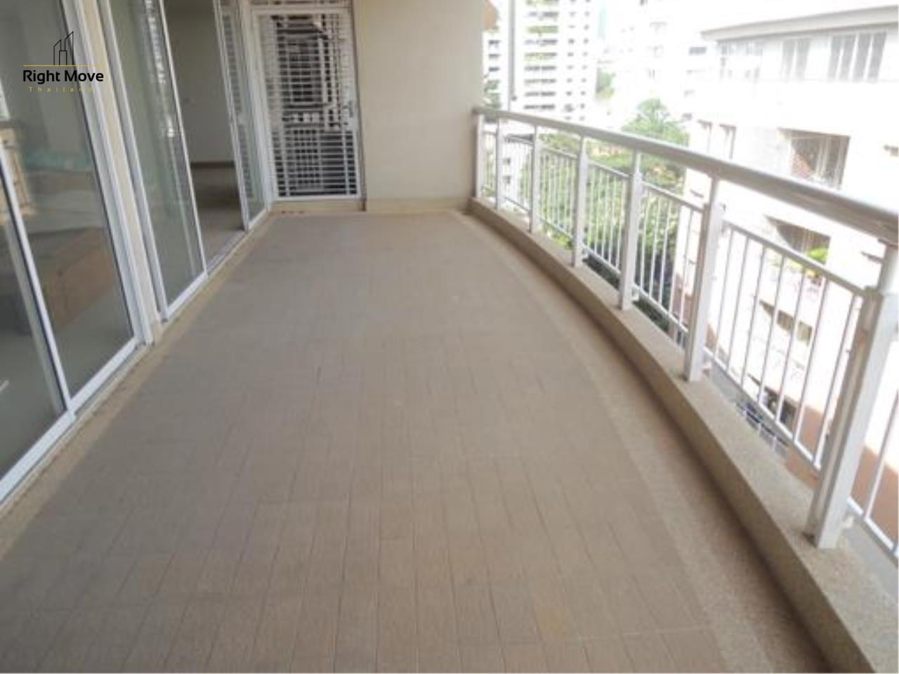Right Move Thailand Agency's CS1818 The Rise Penthouse For Sale 27,500,000 THB 4 Bedrooms 297.47 Sqm 5