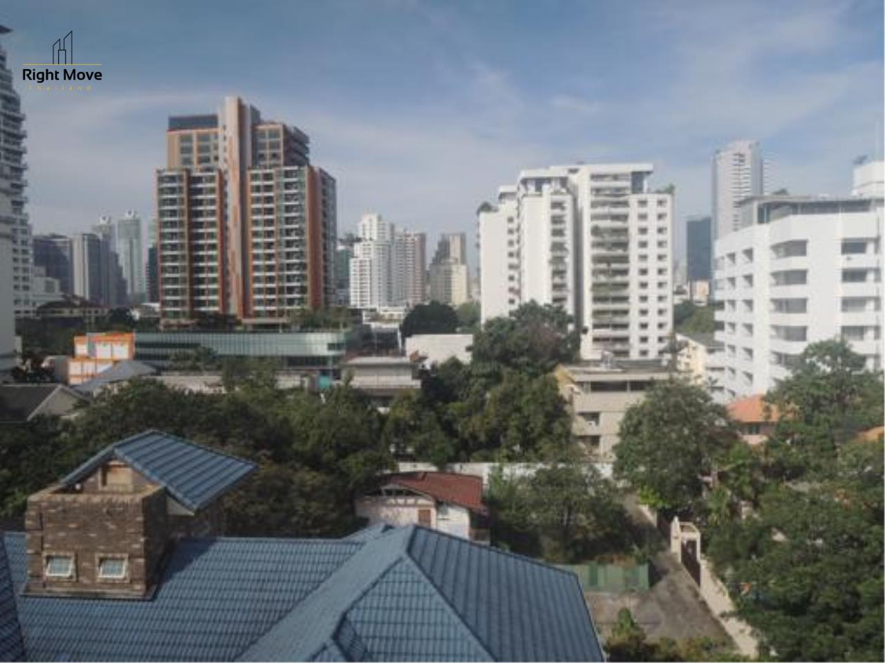 Right Move Thailand Agency's CS1818 The Rise Penthouse For Sale 27,500,000 THB 4 Bedrooms 297.47 Sqm 9