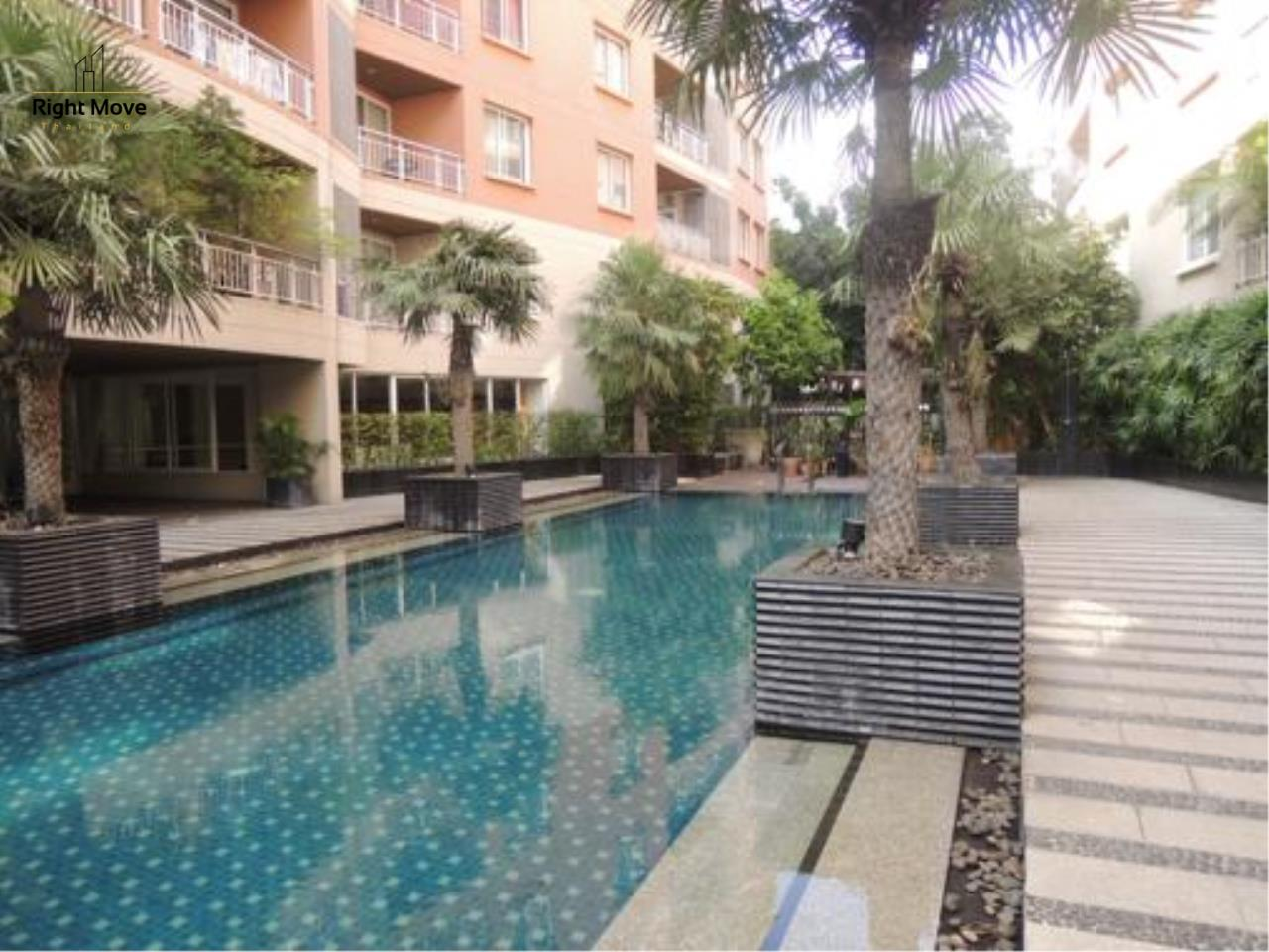 Right Move Thailand Agency's CS1818 The Rise Penthouse For Sale 27,500,000 THB 4 Bedrooms 297.47 Sqm 10