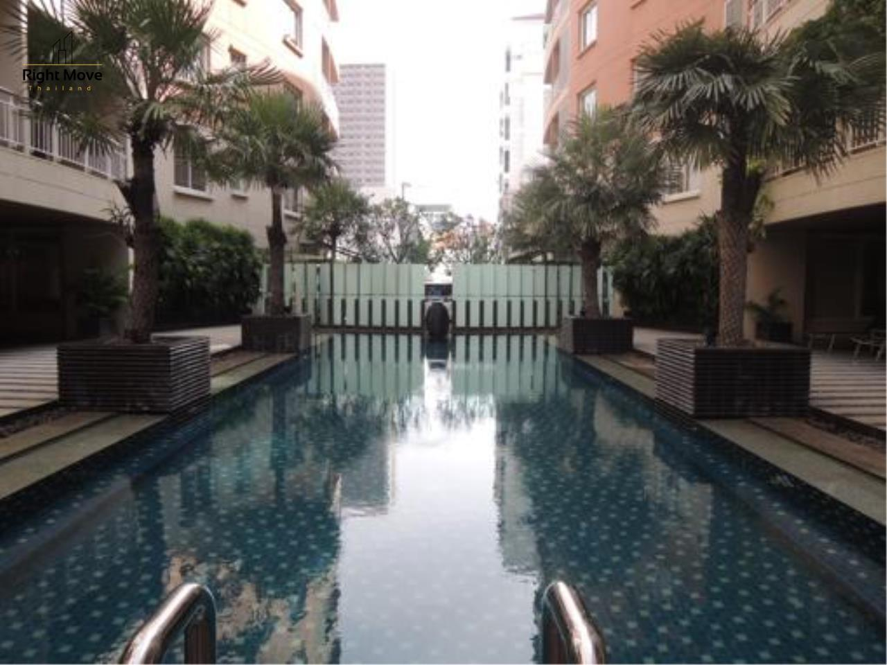 Right Move Thailand Agency's CS1818 The Rise Penthouse For Sale 27,500,000 THB 4 Bedrooms 297.47 Sqm 12