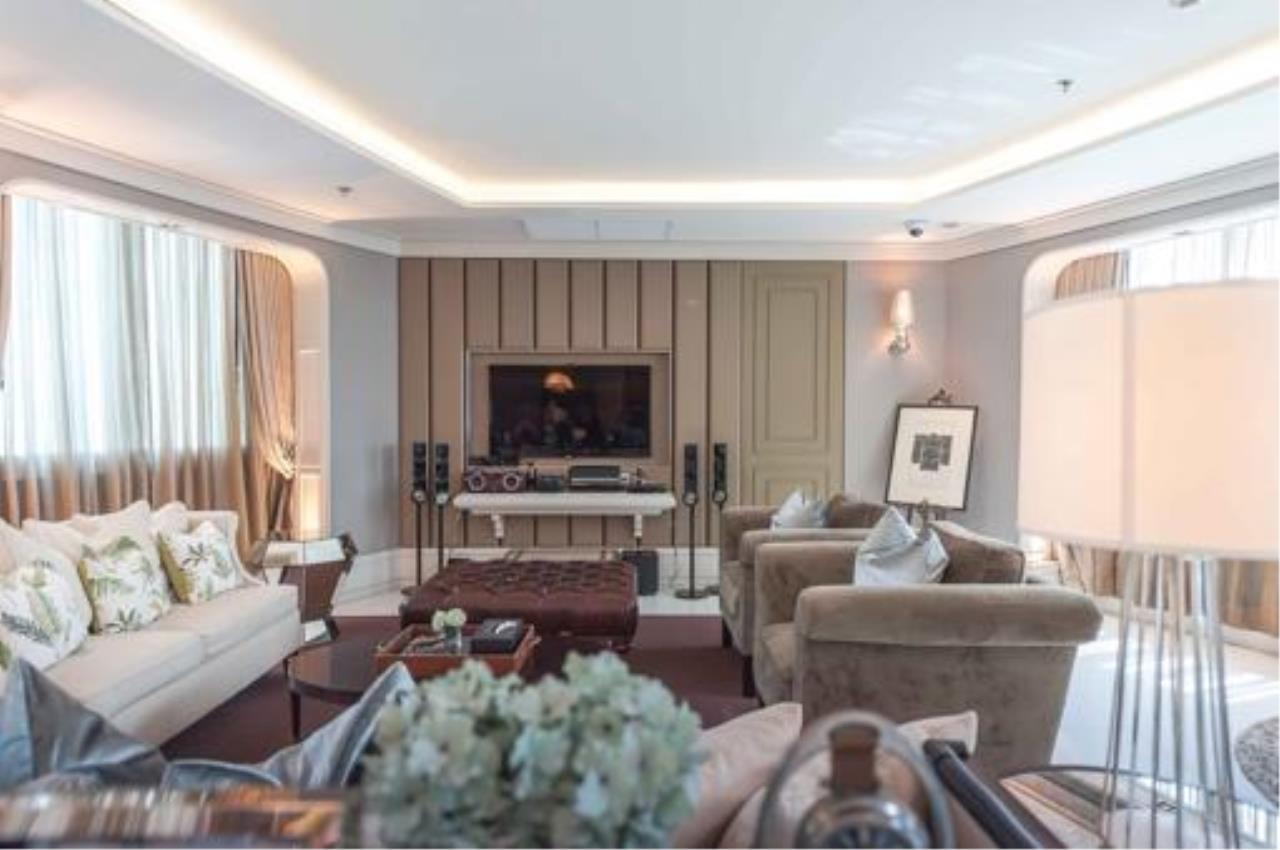 Right Move Thailand Agency's Stunning Duplex Penthouse High-end Condominium For Sale 9