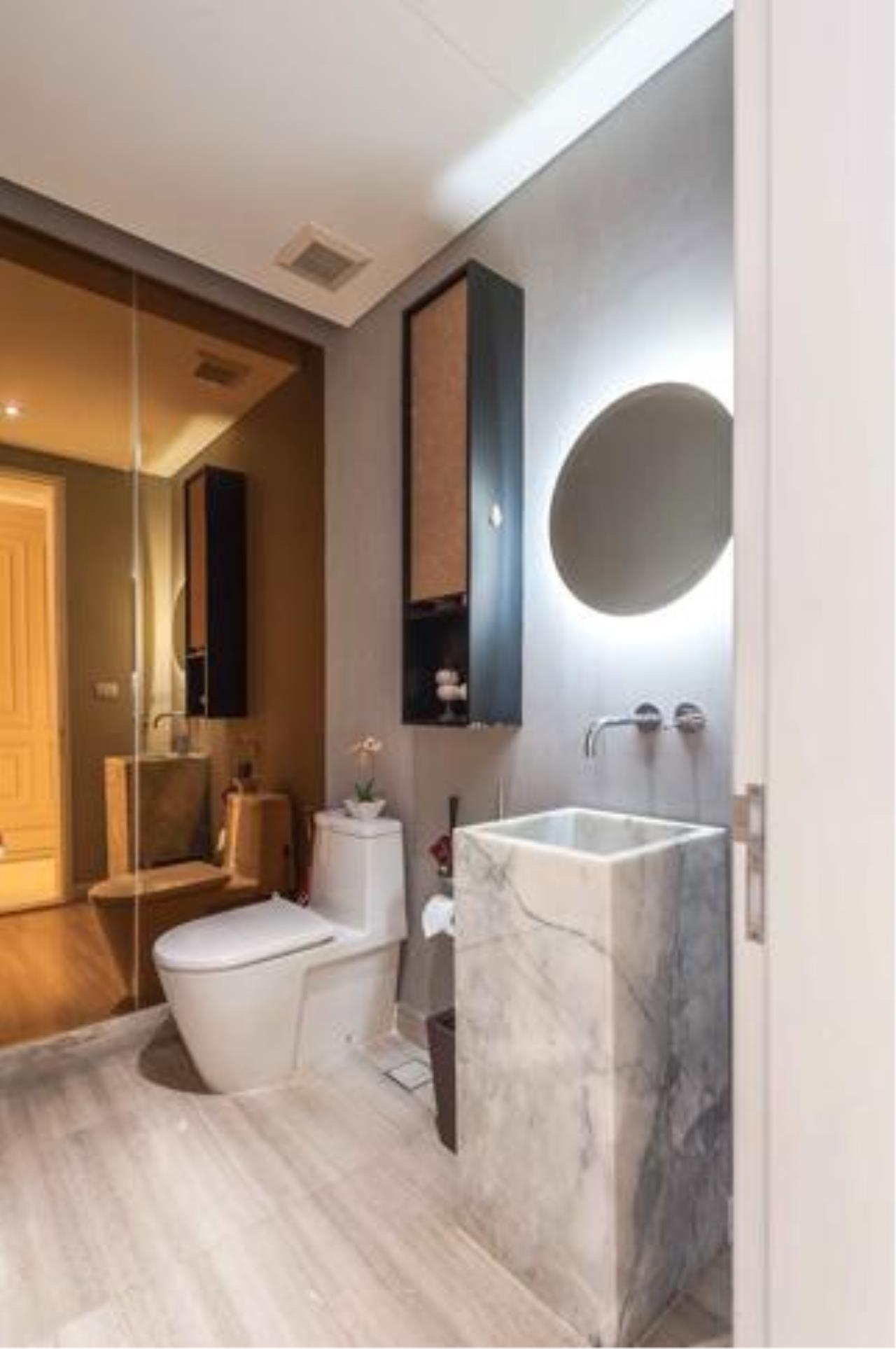 Right Move Thailand Agency's Stunning Duplex Penthouse High-end Condominium For Sale 16