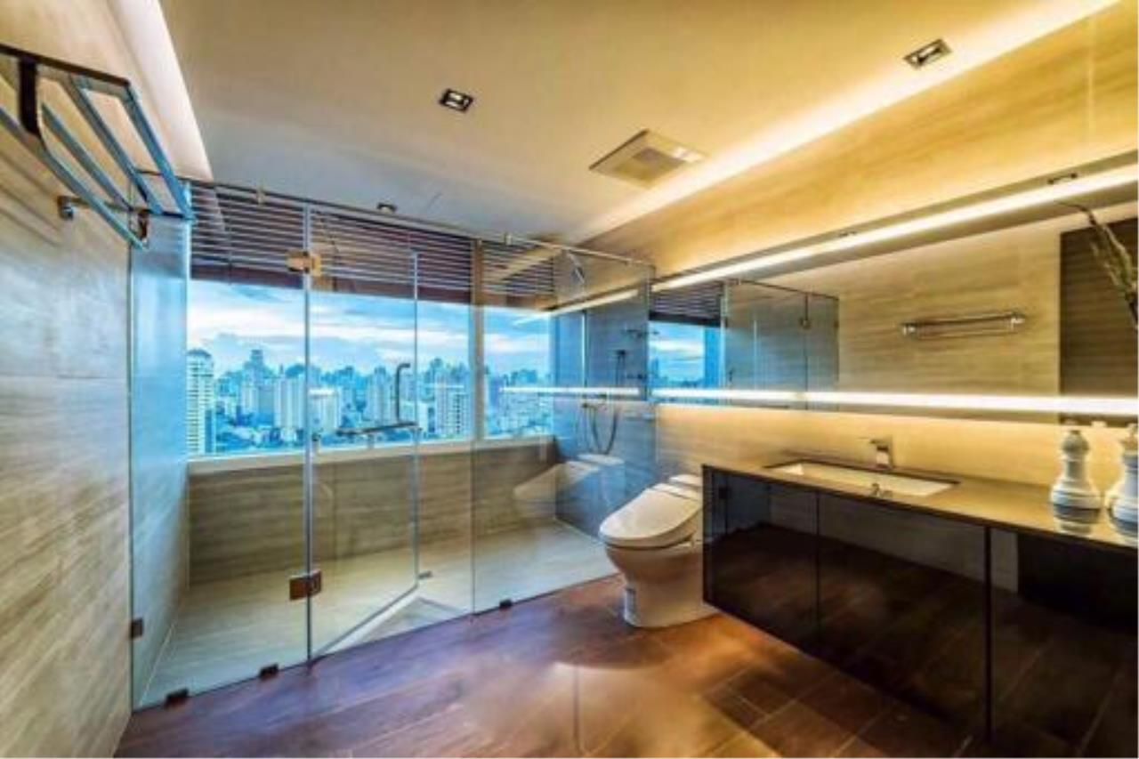 Right Move Thailand Agency's Condominium in Thonglor 2 Bedrooms For Sale 25,000,000 THB  6