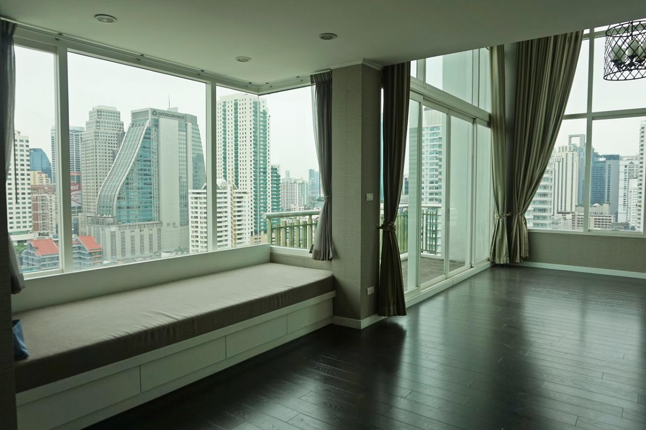 Right Move Thailand Agency's CS1971 Penthouse Duplex Wind Sukhumvit 23 For Sale 35,000,000 THB 3 Bedrooms 242 Sqm 1