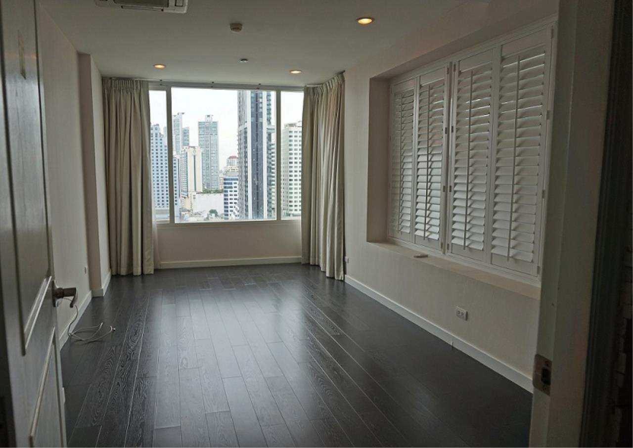 Right Move Thailand Agency's CS1971 Penthouse Duplex Wind Sukhumvit 23 For Sale 35,000,000 THB 3 Bedrooms 242 Sqm 10
