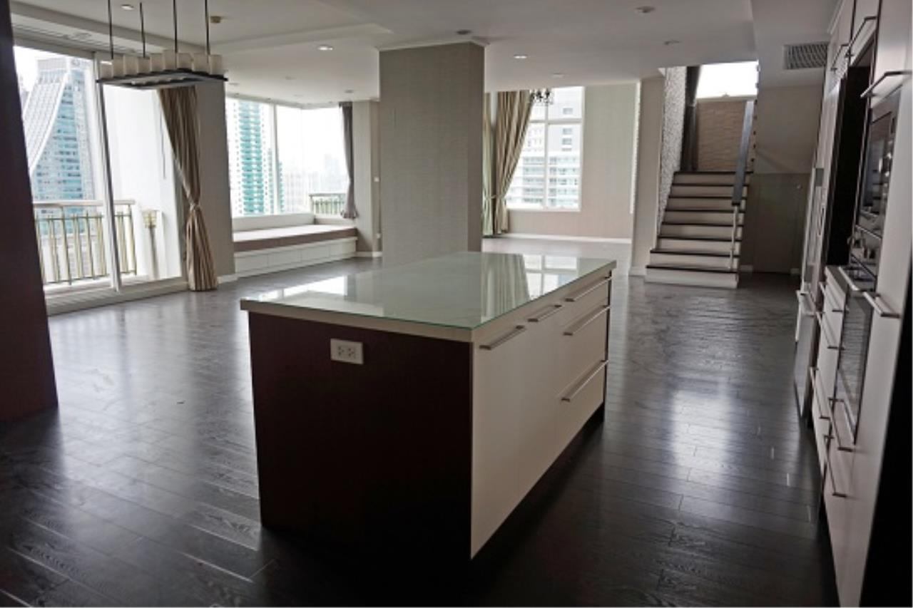 Right Move Thailand Agency's CS1971 Penthouse Duplex Wind Sukhumvit 23 For Sale 35,000,000 THB 3 Bedrooms 242 Sqm 7