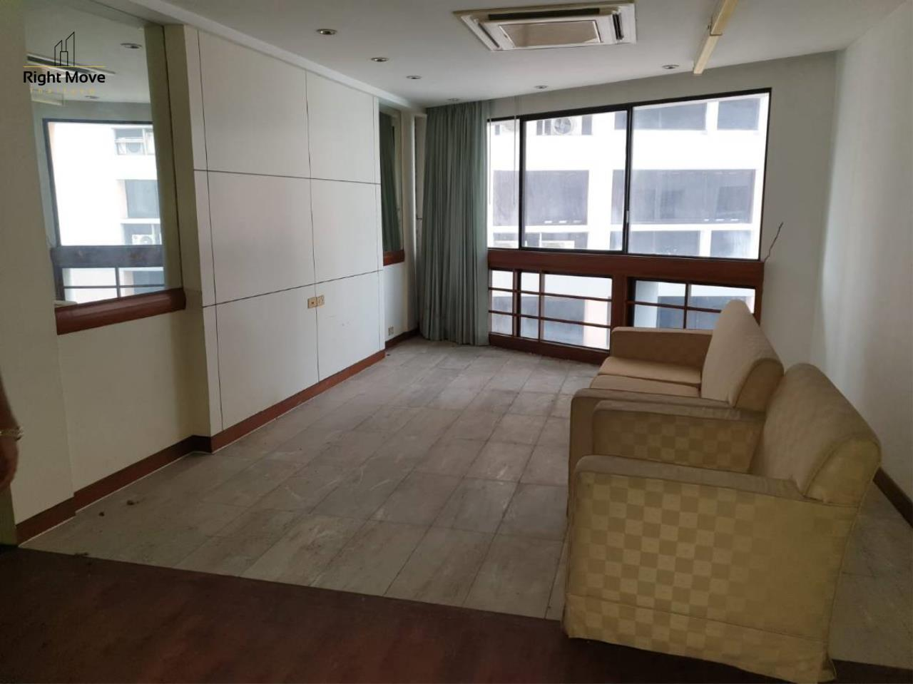 Right Move Thailand Agency's CS2413 For Sale President Park 15,200,000 THB 3 Bedrooms 223 Sqm  6