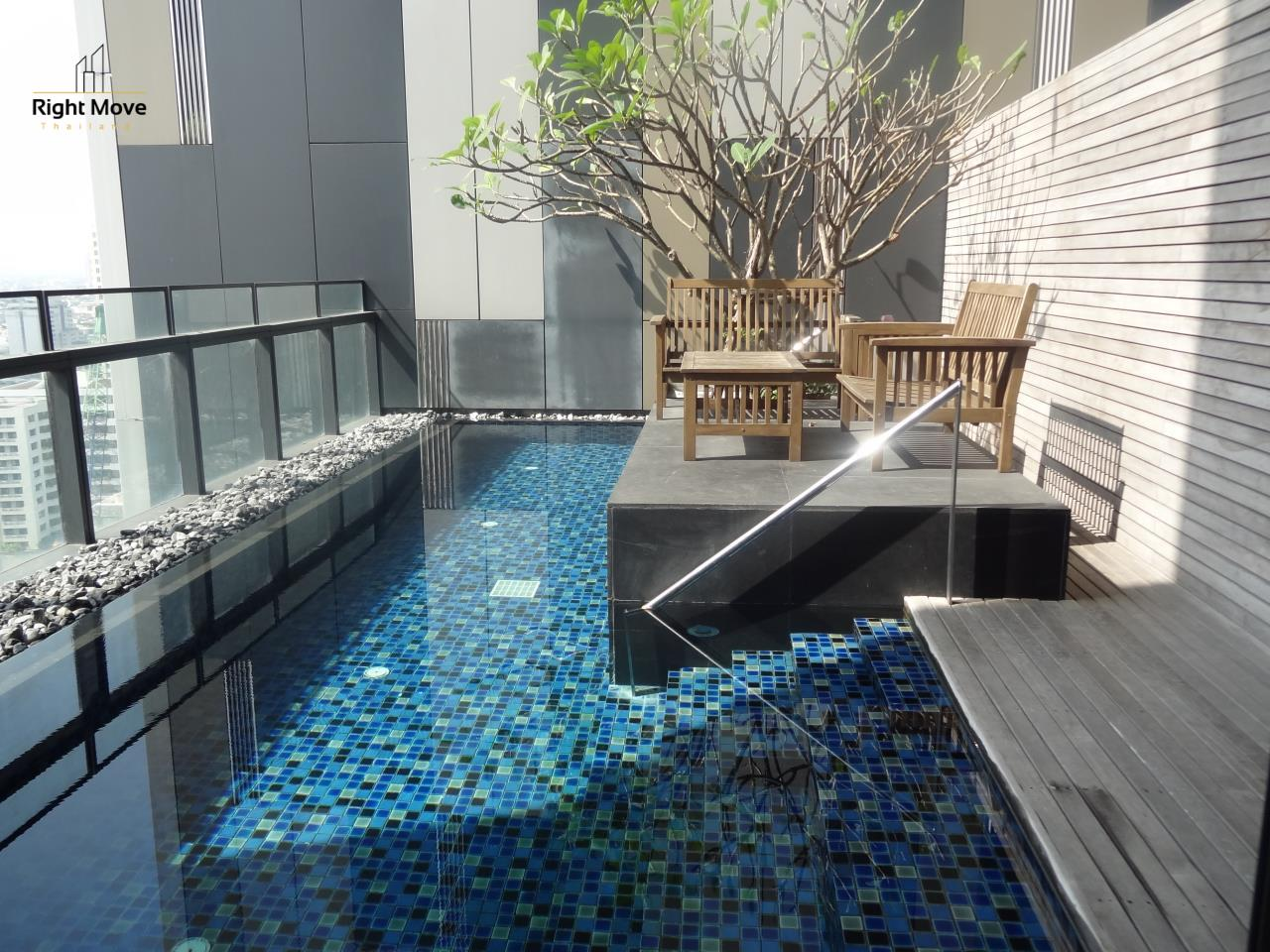 Right Move Thailand Agency's CS2612 The Met Condominium For Sale 40,000,000 THB - 3 Bedrooms - 228 Sqm - Private Pool 1