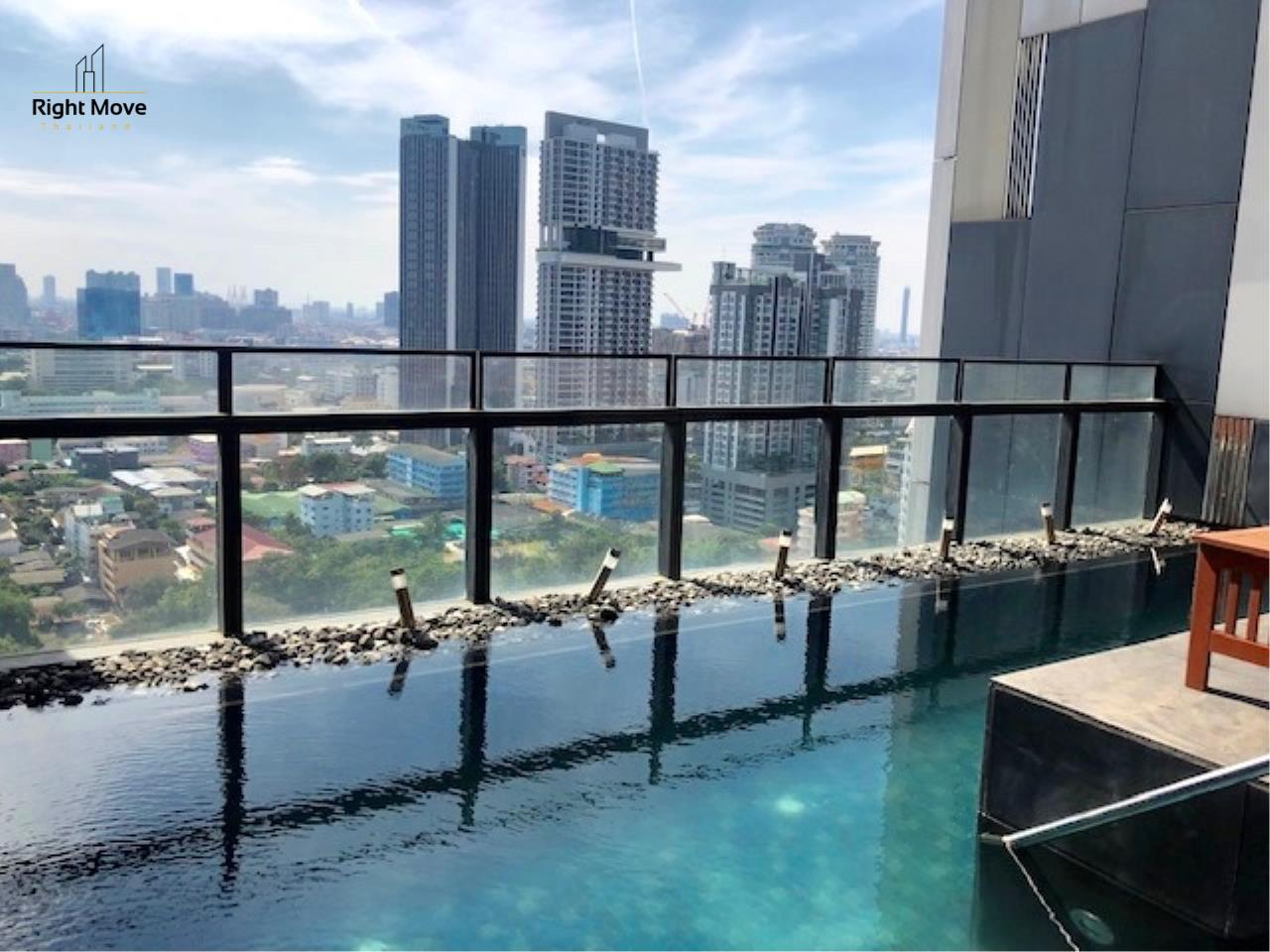 Right Move Thailand Agency's CS2612 The Met Condominium For Sale 40,000,000 THB - 3 Bedrooms - 228 Sqm - Private Pool 2