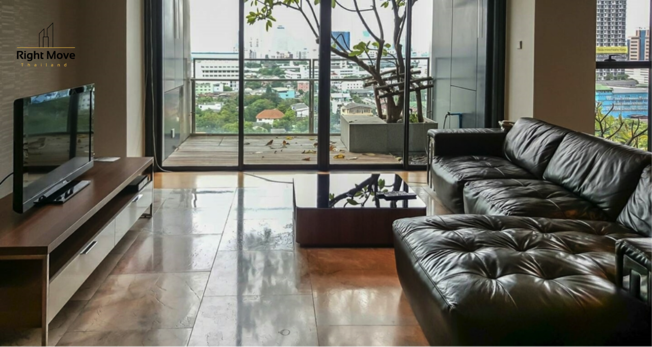 Right Move Thailand Agency's CS2676 The Met Sathorn For Sale 34,200,000 THB For Rent 115,000 THB 3 Bedrooms 190 Sqm 1