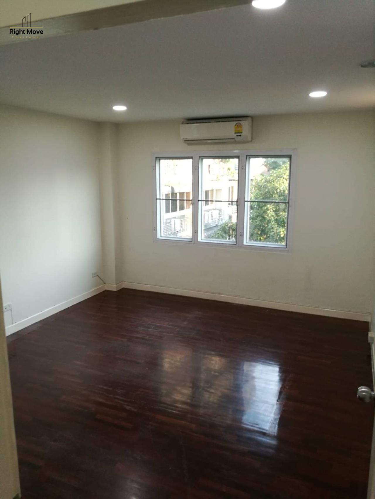 Right Move Thailand Agency's HR1029 Townhouse For Rent 85,000 THB For Sale 55,000,000 THB 220sqw 7