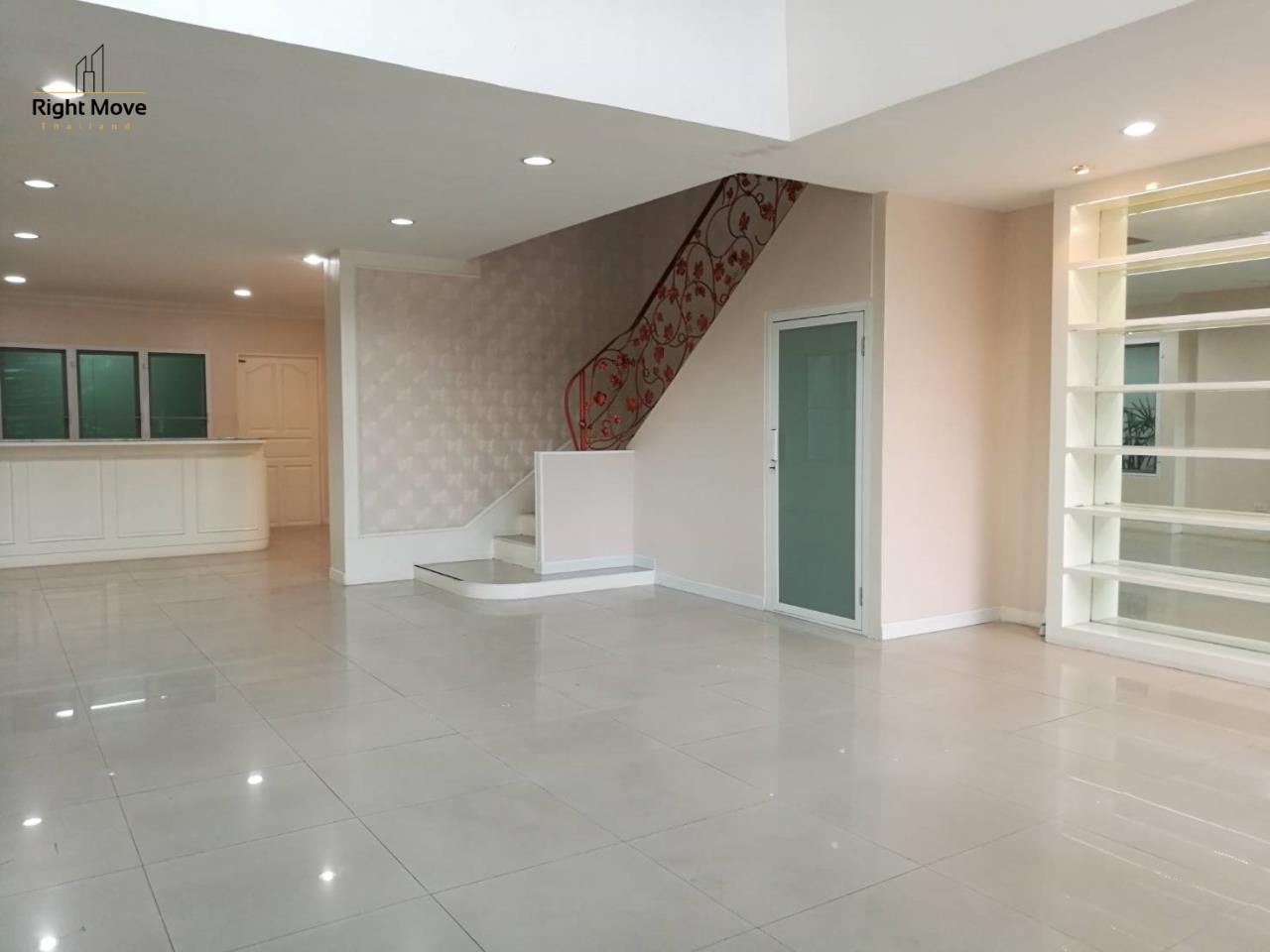 Right Move Thailand Agency's HR1029 Townhouse For Rent 85,000 THB For Sale 55,000,000 THB 220sqw 2