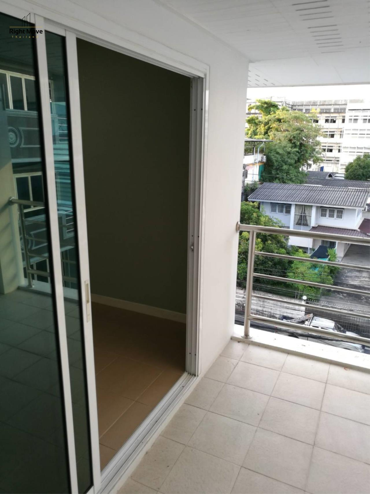 Right Move Thailand Agency's HR1029 Townhouse For Rent 85,000 THB For Sale 55,000,000 THB 220sqw 14