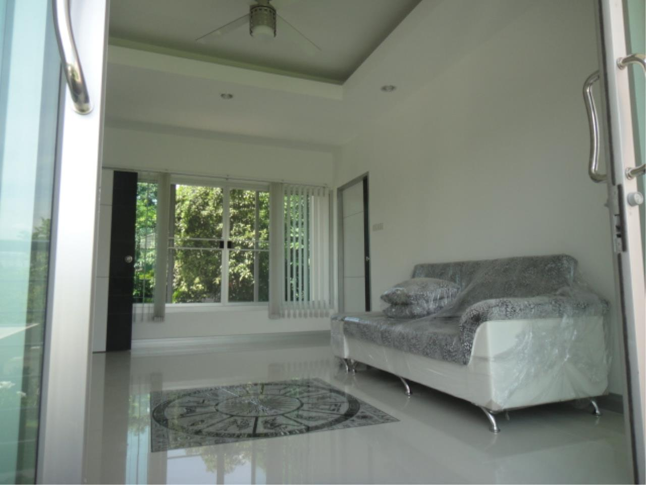 Right Move Thailand Agency's HR207 Single House 3 Storey 100 Sqw/ 315 Sqm For Rent 130,000 THB  1