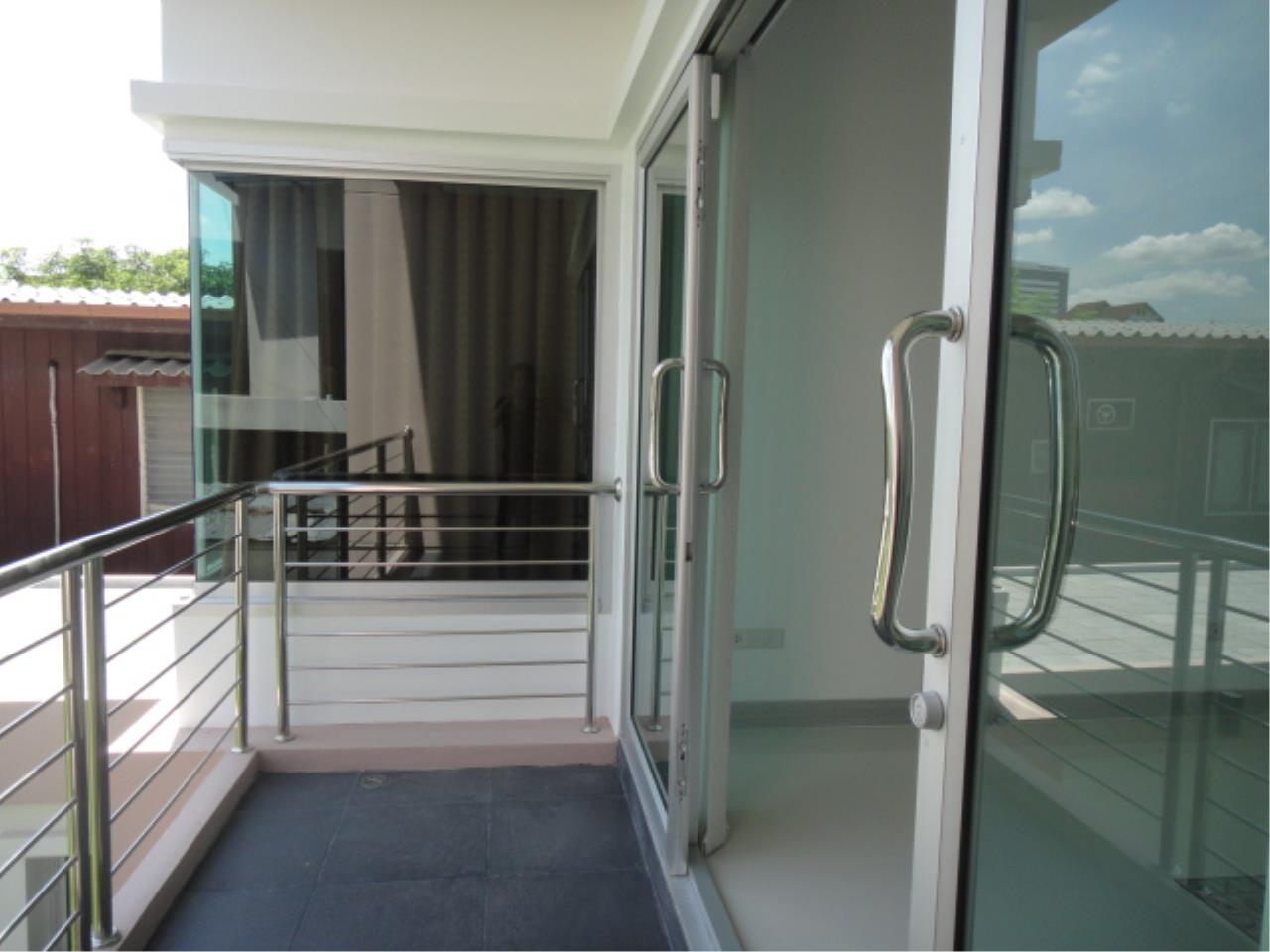 Right Move Thailand Agency's HR207 Single House 3 Storey 100 Sqw/ 315 Sqm For Rent 130,000 THB  12