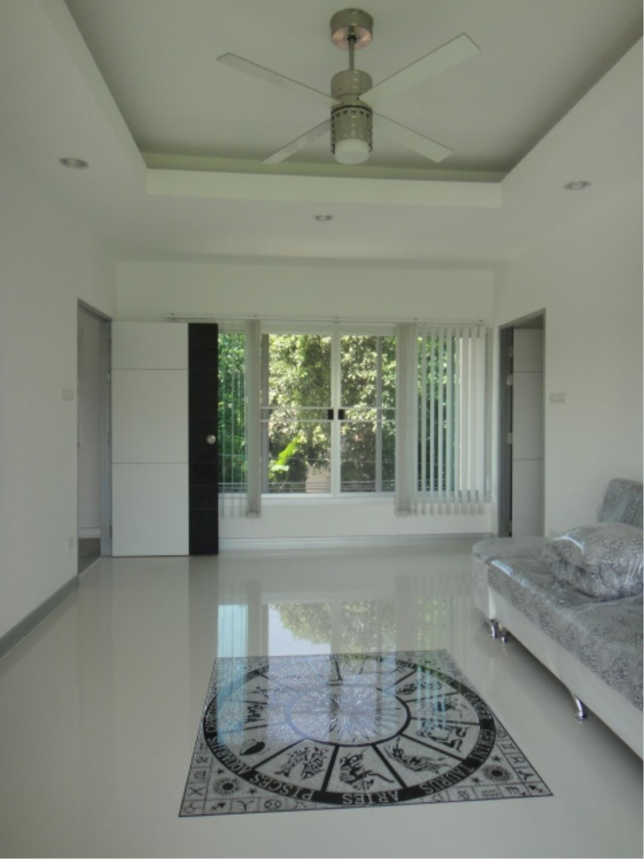 Right Move Thailand Agency's HR207 Single House 3 Storey 100 Sqw/ 315 Sqm For Rent 130,000 THB  2