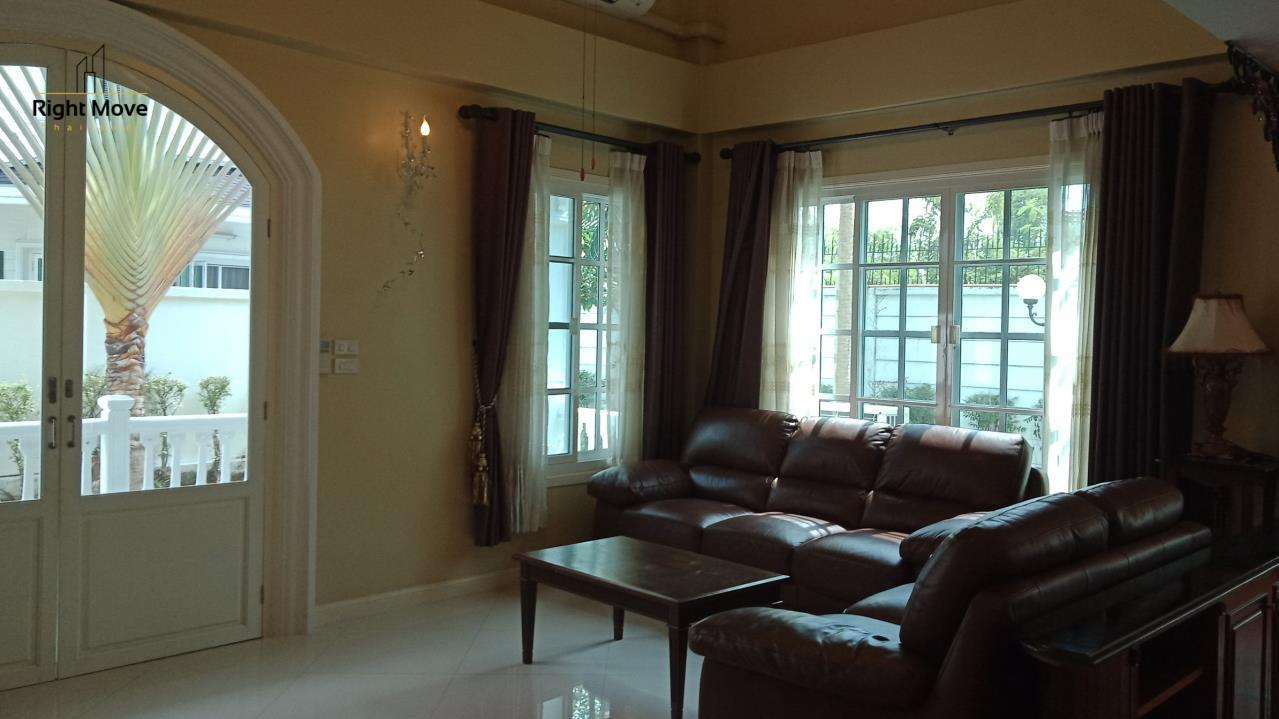 Right Move Thailand Agency's HR278 House For Rent 100,000 THB 3+1 Bedrooms 4 280 Sqm  5