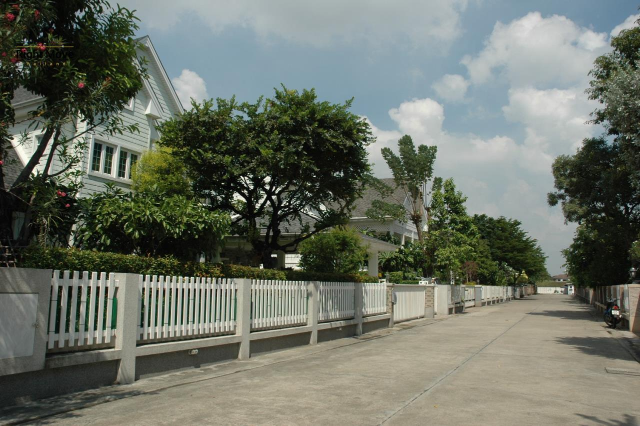Right Move Thailand Agency's HR321 House for rent - 170,000 THB - 4 Bedrooms - 500 Sqm - Private Pool 1