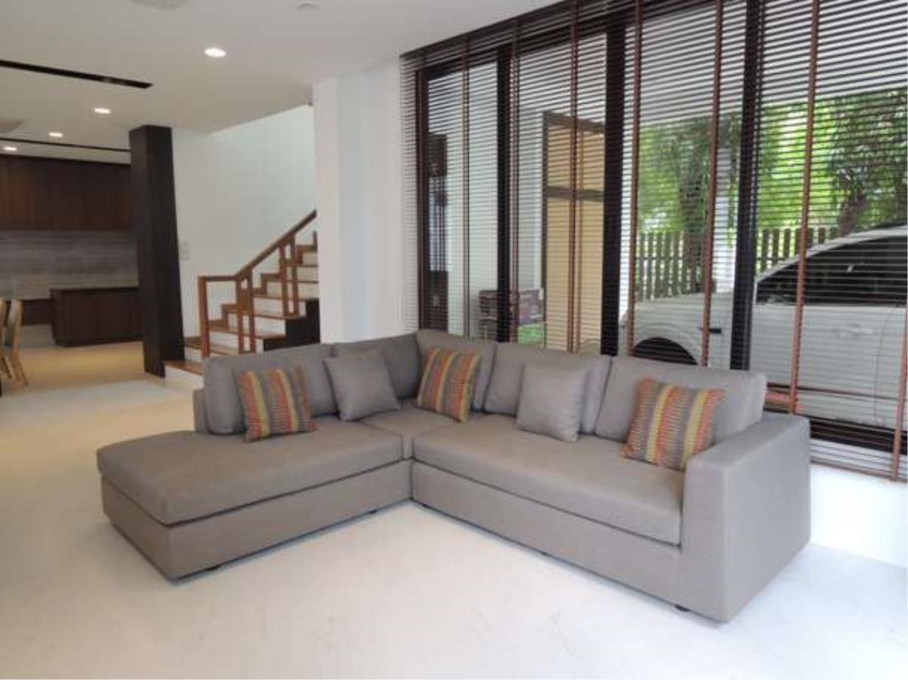 Right Move Thailand Agency's HR423 House For Sale  60,000,000 THB  - 4 Bedrooms - 315 sqm. 1