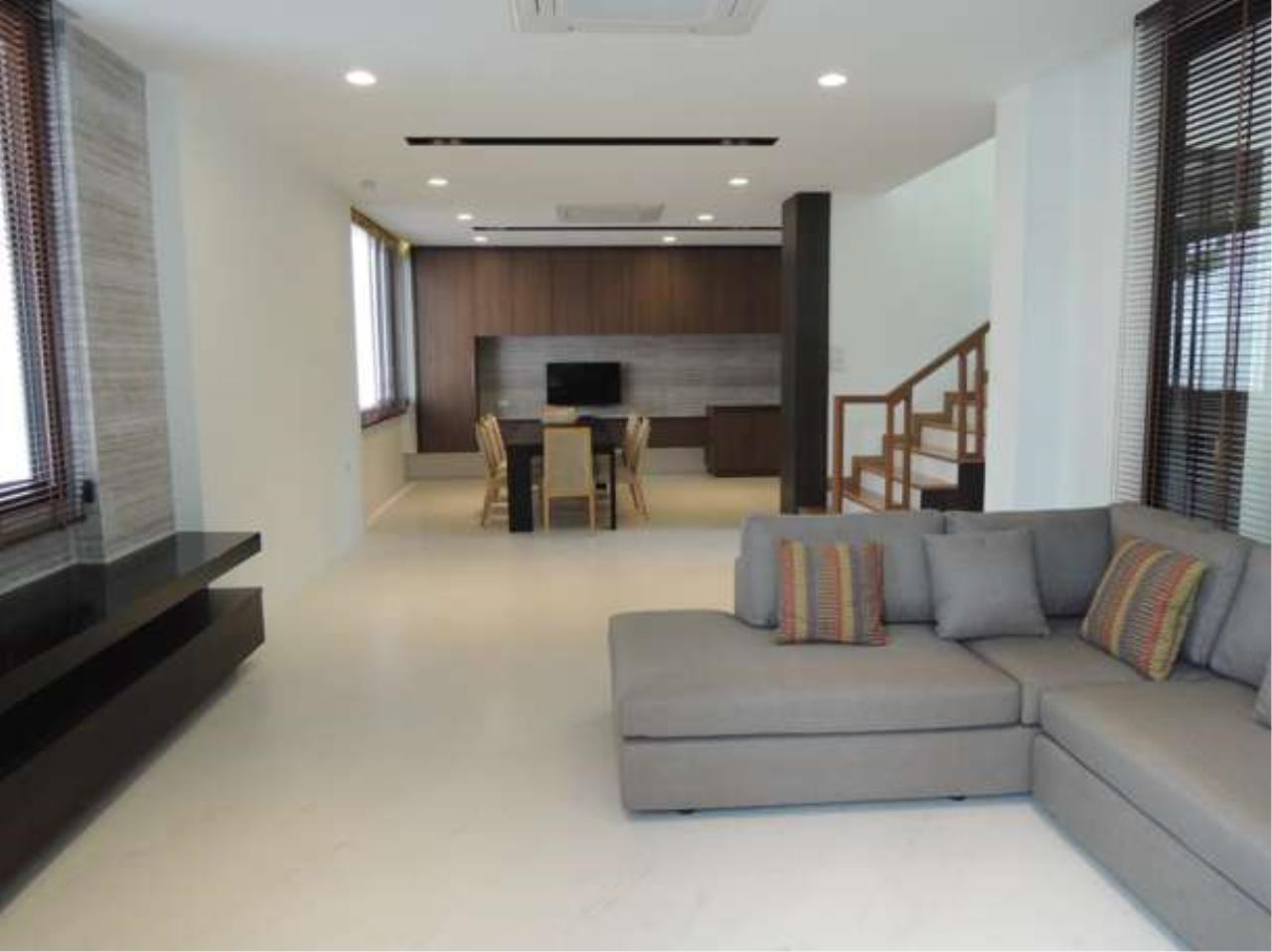 Right Move Thailand Agency's HR423 House For Sale  60,000,000 THB  - 4 Bedrooms - 315 sqm. 4