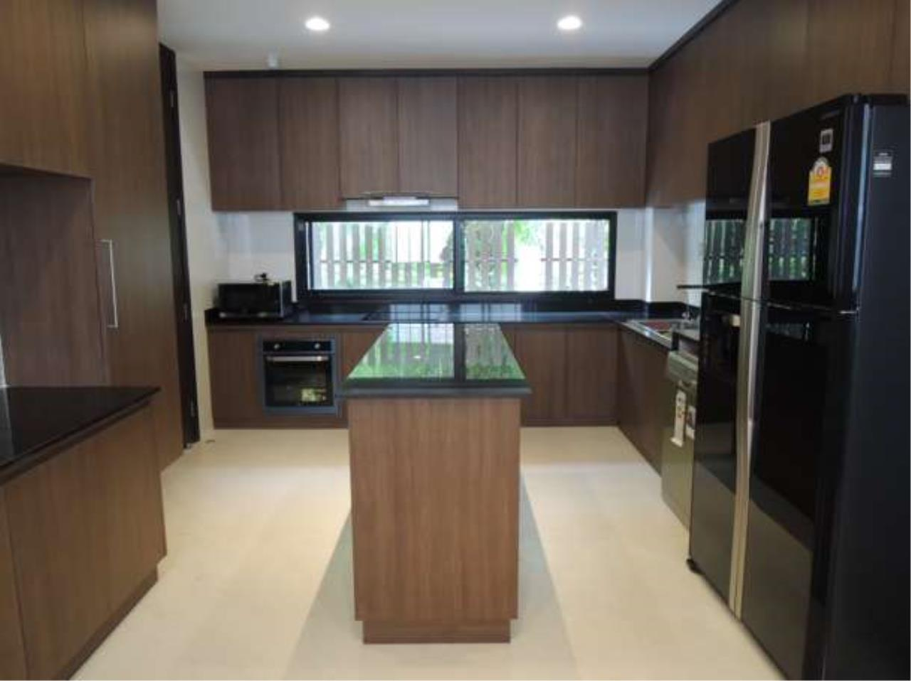 Right Move Thailand Agency's HR423 House For Sale  60,000,000 THB  - 4 Bedrooms - 315 sqm. 7