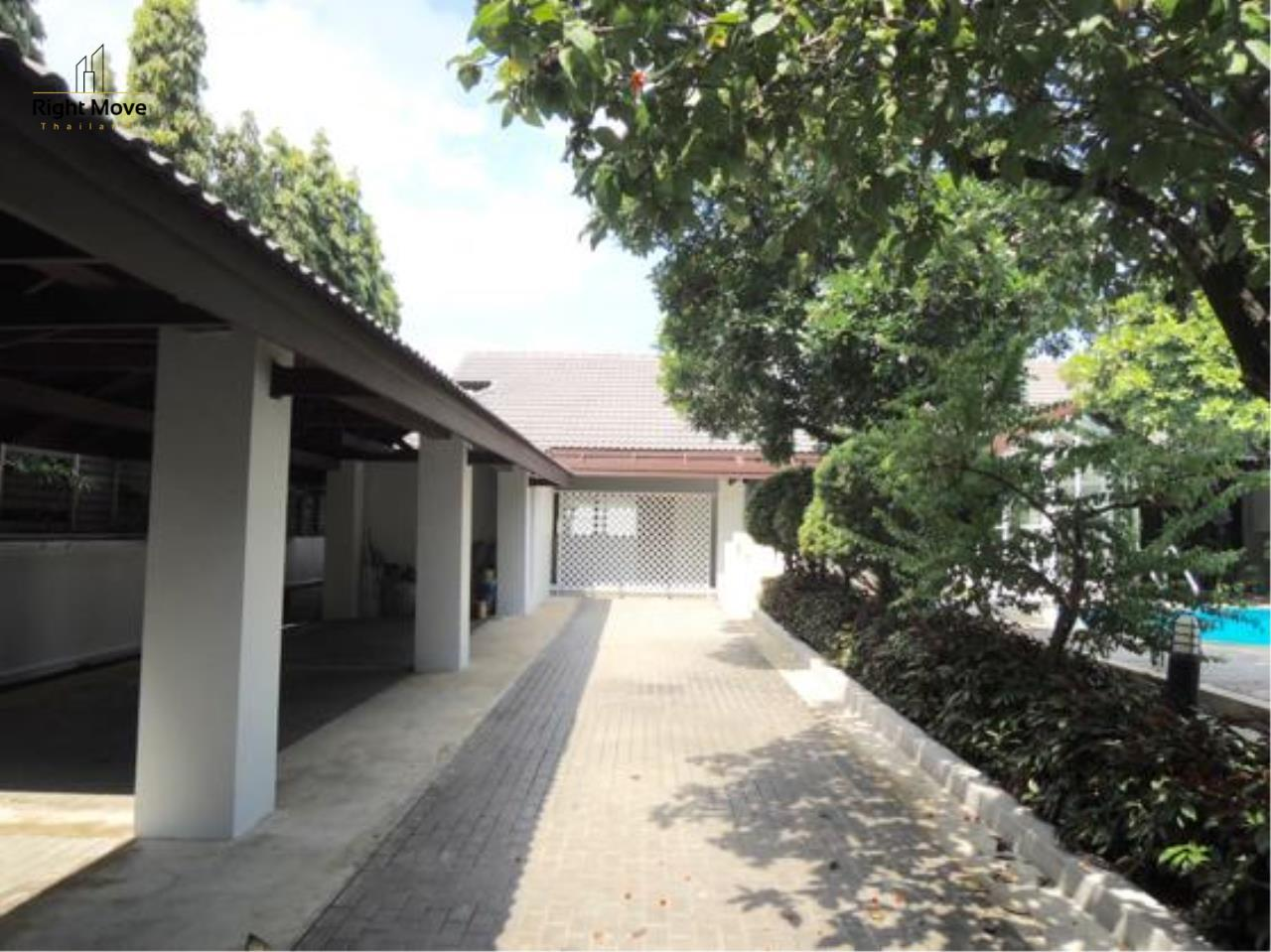 Right Move Thailand Agency's HR663 House With Private Pool For Rent 350,000 THB 4 Bedrooms 1000 Sqm 5
