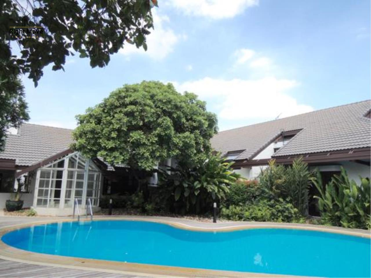 Right Move Thailand Agency's HR663 House With Private Pool For Rent 350,000 THB 4 Bedrooms 1000 Sqm 3
