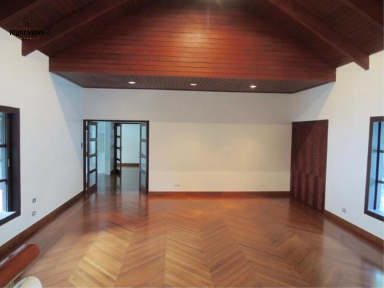 Right Move Thailand Agency's HR663 House With Private Pool For Rent 350,000 THB 4 Bedrooms 1000 Sqm 9