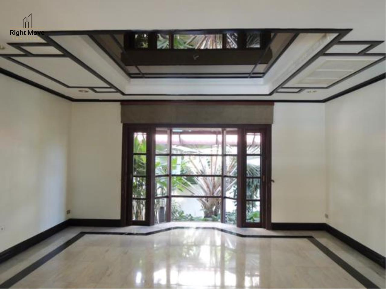 Right Move Thailand Agency's HR663 House With Private Pool For Rent 350,000 THB 4 Bedrooms 1000 Sqm 18