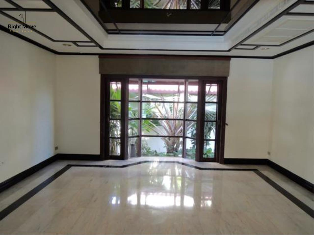 Right Move Thailand Agency's HR663 House With Private Pool For Rent 350,000 THB 4 Bedrooms 1000 Sqm 19