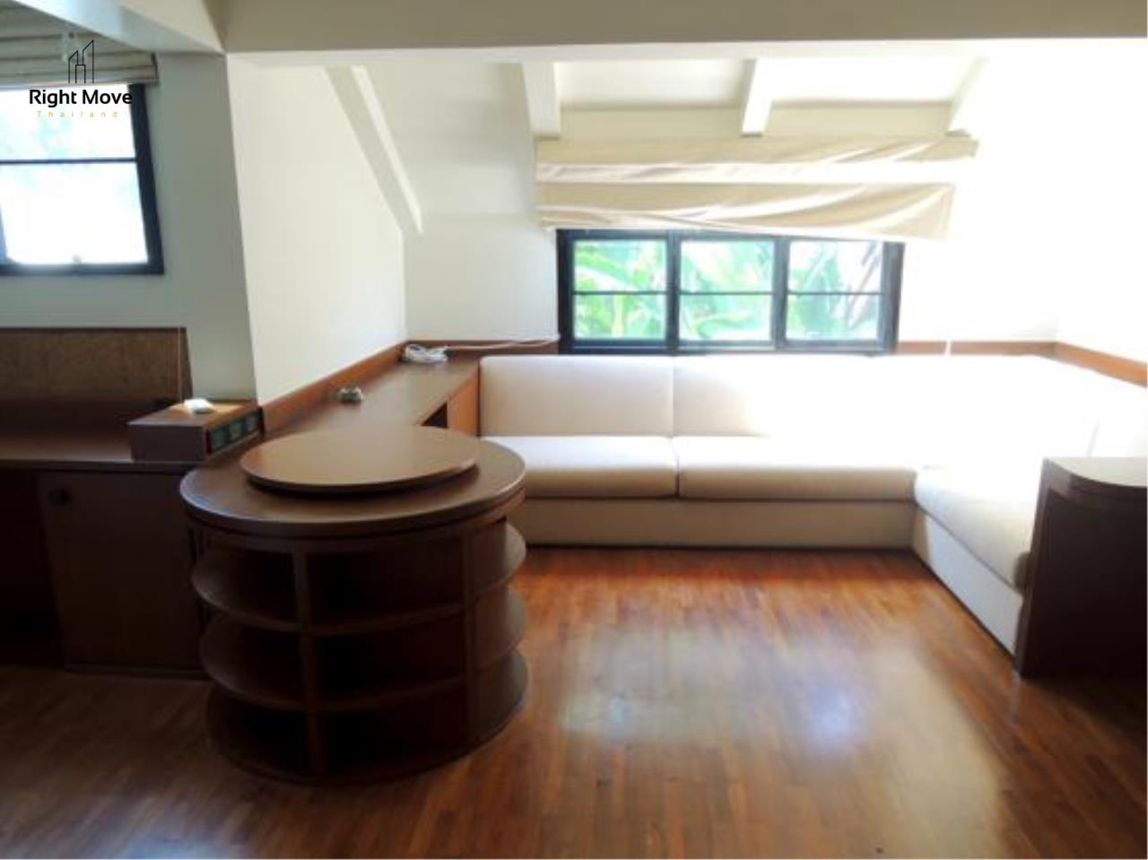 Right Move Thailand Agency's HR663 House With Private Pool For Rent 350,000 THB 4 Bedrooms 1000 Sqm 23