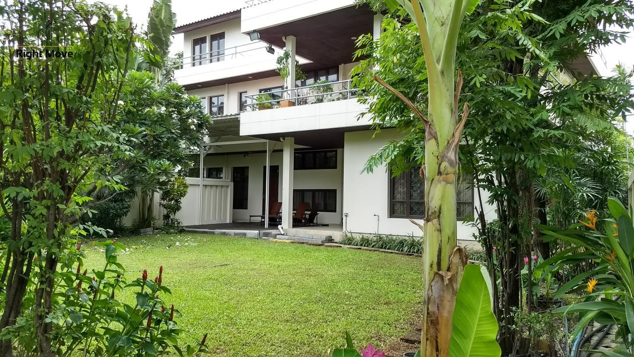 Right Move Thailand Agency's HR670 House For Rent 150,000 THB 6 Bedrooms 850 Sqm 1