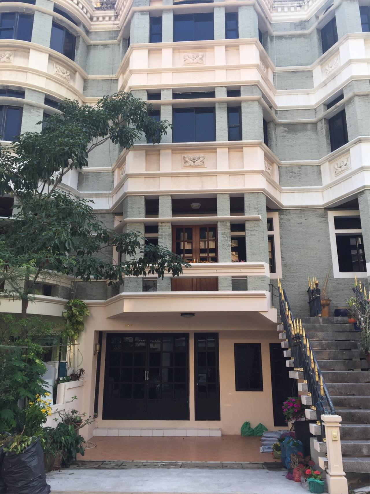 Right Move Thailand Agency's HR707 For Rent Townhouse Chicha Castle 3 Bedrooms For Rent 65,000 THB 1
