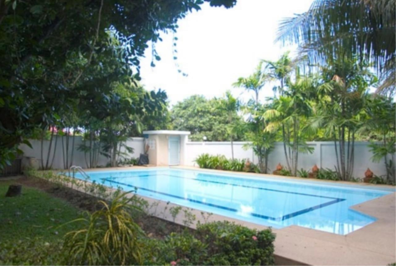 Right Move Thailand Agency's HR740 Single House with Private Pool  For Sale 29,000,000 THB 4 Bedrooms 550 Sqm 1