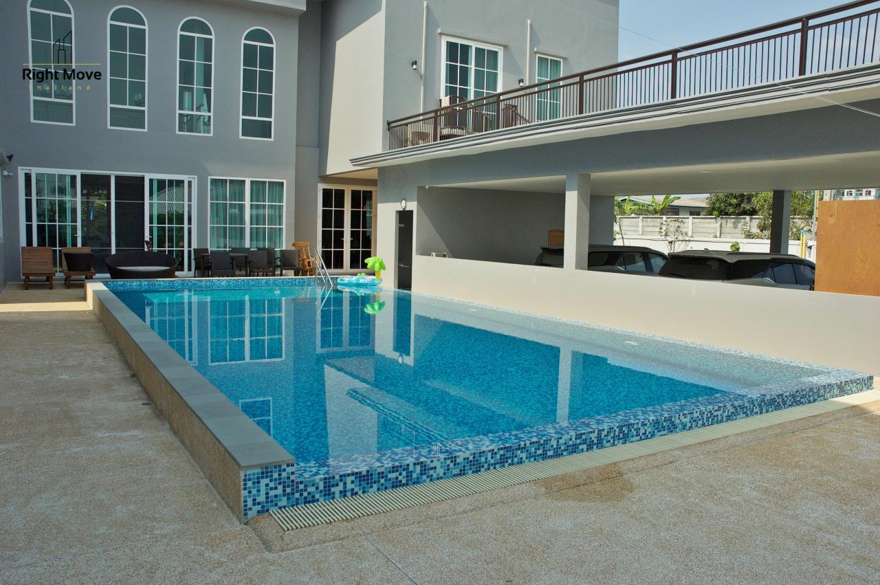 Right Move Thailand Agency's HR809 Panya Ramintra Village for sale - 6 Bedrooms - Private Pool - 1,000 sqm. 5