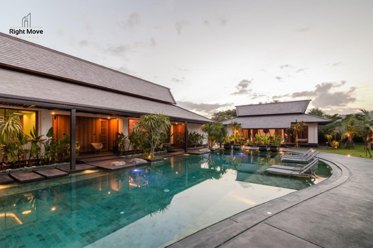Right Move Thailand Agency's HR853 Hua Hin Villa for sale 200,000,000 THB - 2 Rai - Private Pool 2