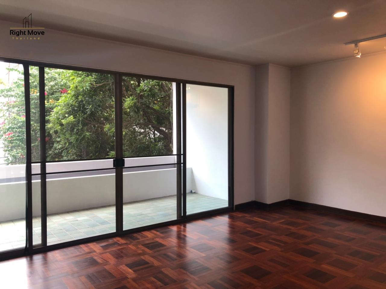 Right Move Thailand Agency's HR917 Newly Renovated Townhouse for rent and sale - 3 Bedrooms - 408 sqm.  4