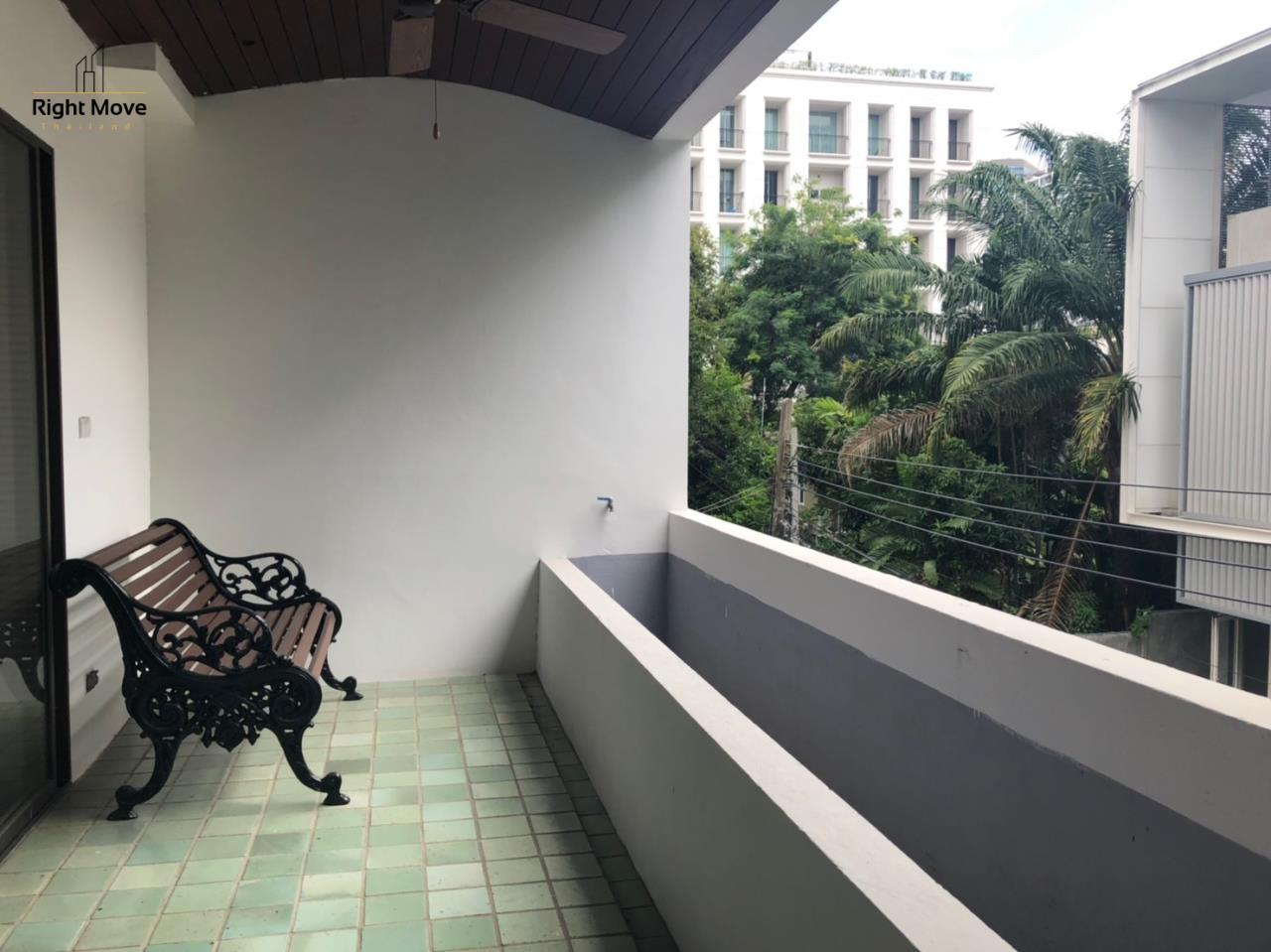 Right Move Thailand Agency's HR917 Newly Renovated Townhouse for rent and sale - 3 Bedrooms - 408 sqm.  17