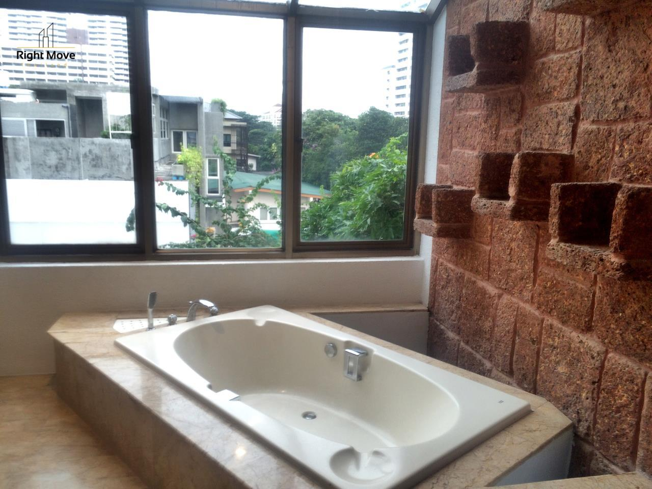 Right Move Thailand Agency's HR917 Newly Renovated Townhouse for rent and sale - 3 Bedrooms - 408 sqm. - Sukhumvit area 5